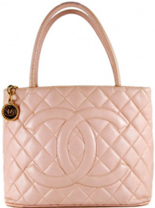 chanel-medallion-tote4